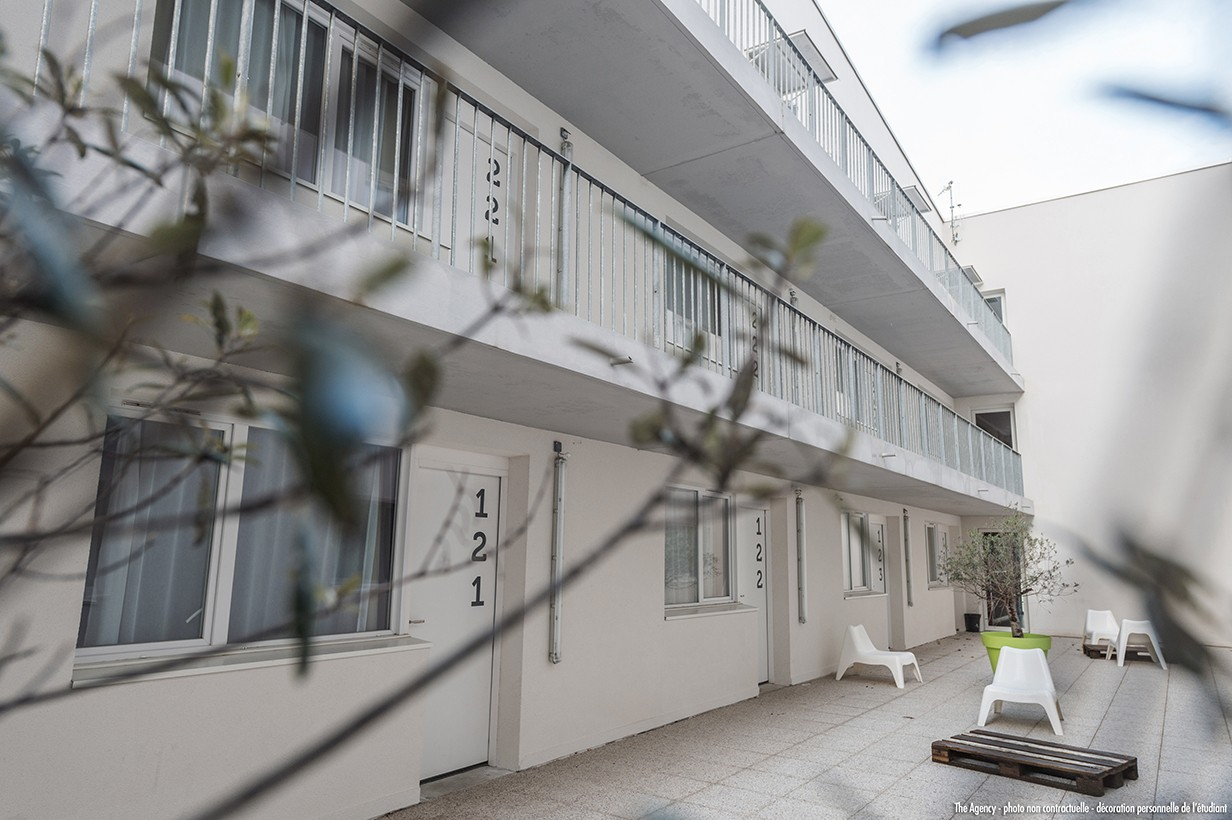 image  2019 06 21 residence etudiante suitetudes h2O la rochelle patio 2