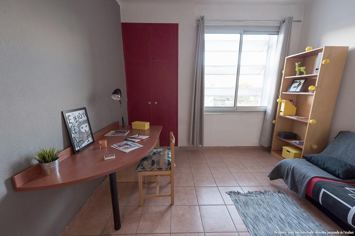image  2019 06 21 residence etudiante suitetudes jardins de pasteur nimes studio bureau