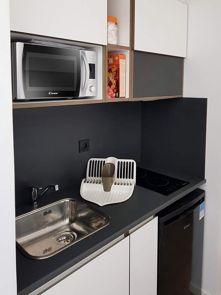 image  2019 06 21 residence etudiante suitetudes new legend lyon kitchenette