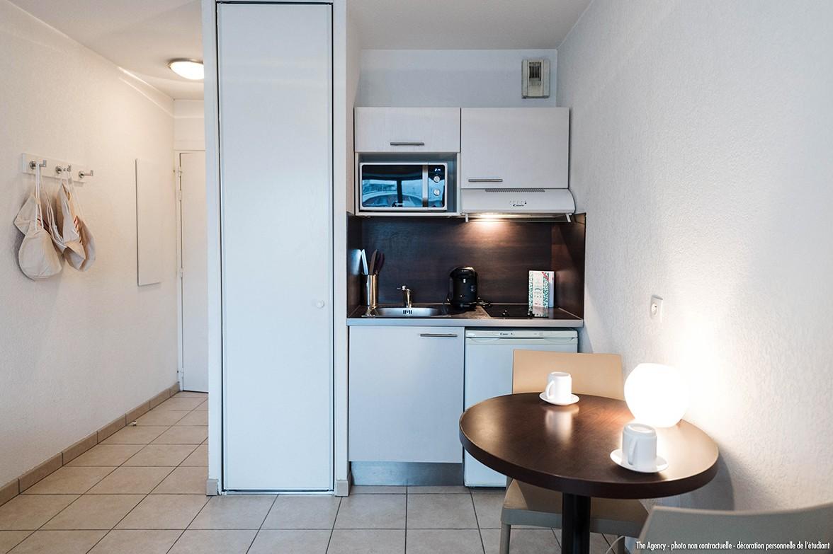 image  2019 06 21 residence etudiante suitetudes parc avenue annemasse kitchenette 3