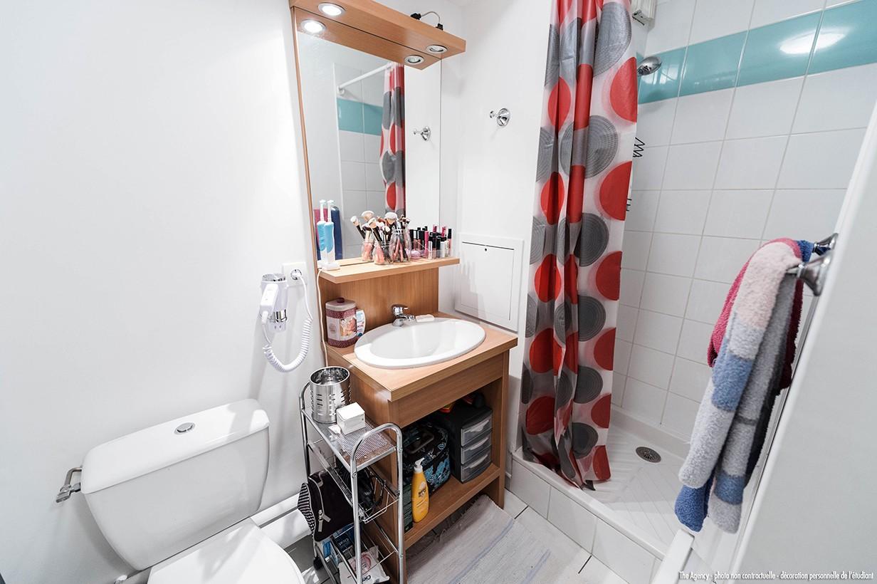 image  2019 06 21 residence etudiante suitetudes parc avenue annemasse studio salle de bain