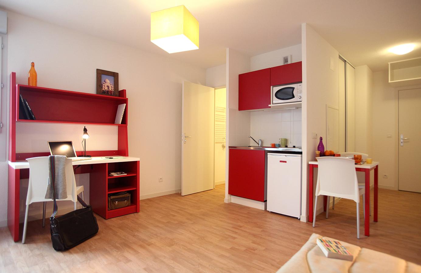 image  2019 06 21 suitetudes residence etudiante suitetudes andromaque villeurbanne appartement coin repas.JPG
