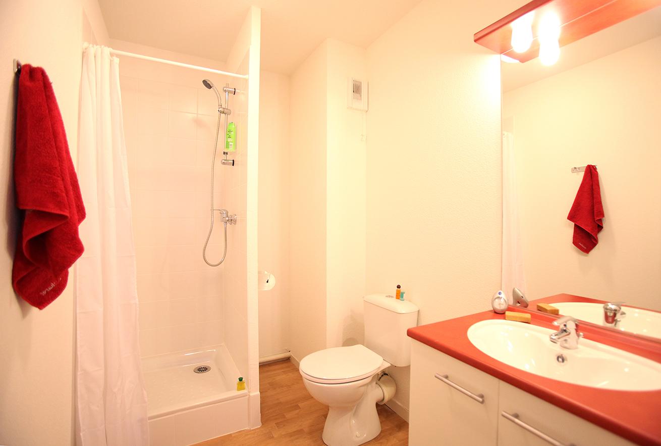image  2019 06 21 suitetudes residence etudiante suitetudes andromaque villeurbanne appartement salle de bain.JPG
